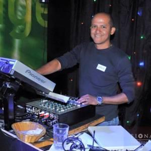 DJ CARLOS LOPEZ